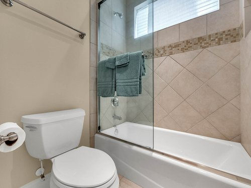 2115-Alaqua-Lakes-Blvd--Longwood--FL-32779----40---Bathroom.jpg