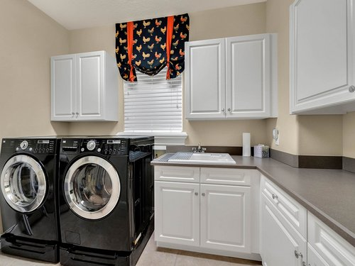 2115-Alaqua-Lakes-Blvd--Longwood--FL-32779----41---Laundry.jpg