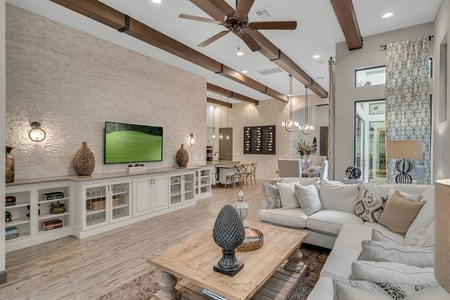 8137-Via-Vittoria-Way--Orlando--FL-32819----05---Family-Room.jpg