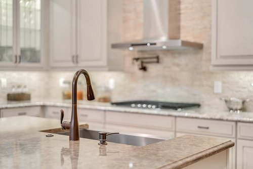 8137-Via-Vittoria-Way--Orlando--FL-32819----11---Kitchen.jpg