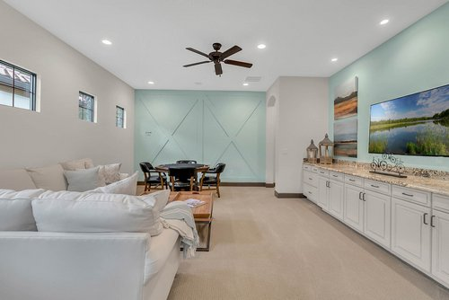 8137-Via-Vittoria-Way--Orlando--FL-32819----15---Bonus-Room.jpg