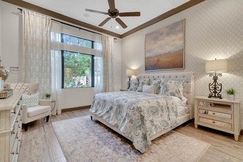 8137-Via-Vittoria-Way--Orlando--FL-32819----17---Master-Bedroom.jpg