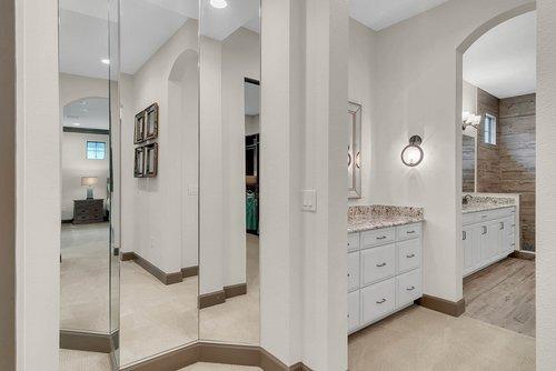 8137-Via-Vittoria-Way--Orlando--FL-32819----30---Bathroom.jpg