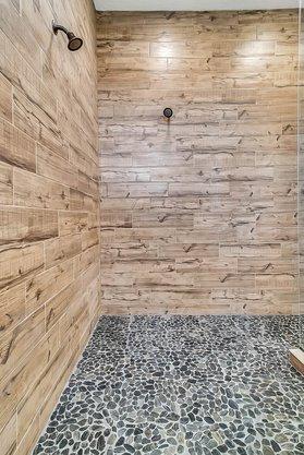 8137-Via-Vittoria-Way--Orlando--FL-32819----32---Bathroom.jpg