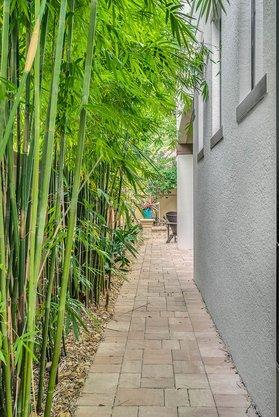 8137-Via-Vittoria-Way--Orlando--FL-32819----37---Backyard.jpg