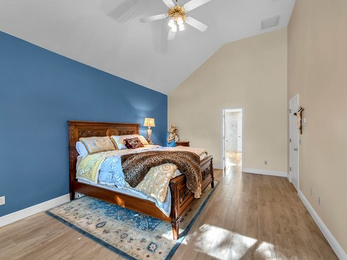 3815-Sanibel-Cove--Oviedo--FL-32765----22---Master-Bedroom.jpg