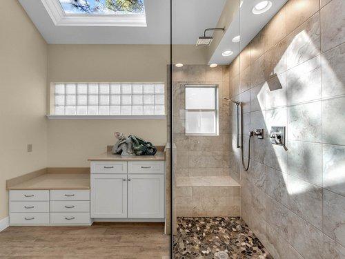 3815-Sanibel-Cove--Oviedo--FL-32765----24---Master-Bathroom.jpg