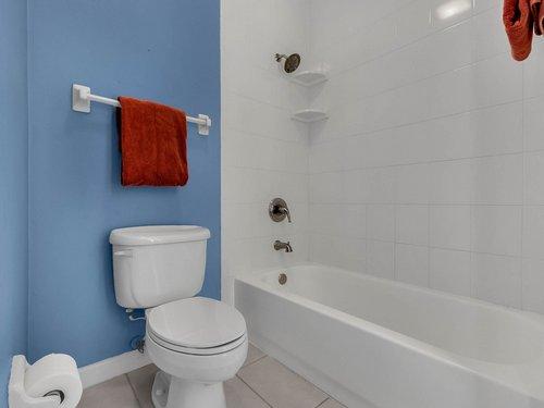 3815-Sanibel-Cove--Oviedo--FL-32765----29---Bathroom.jpg