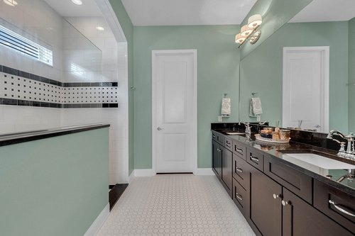 10680-Warlow-Creek-St--Orlando--FL-32832----24---Master-Bathroom.jpg