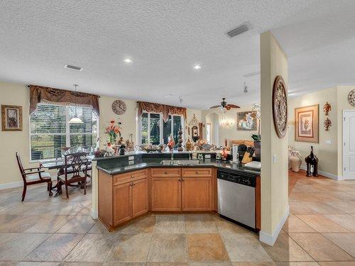 114-Oak-Haven-Cir--DeLand--FL-32720----15---Kitchen.jpg