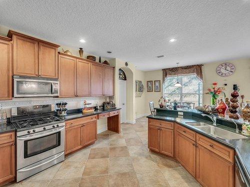 114-Oak-Haven-Cir--DeLand--FL-32720----17---Kitchen.jpg
