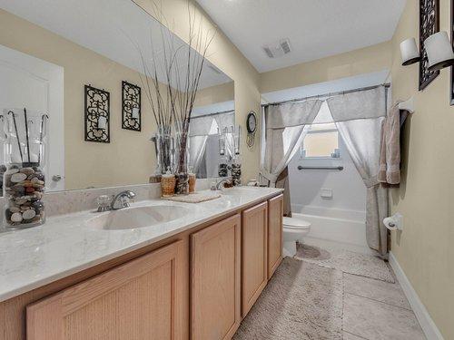 114-Oak-Haven-Cir--DeLand--FL-32720----29---Bathroom.jpg