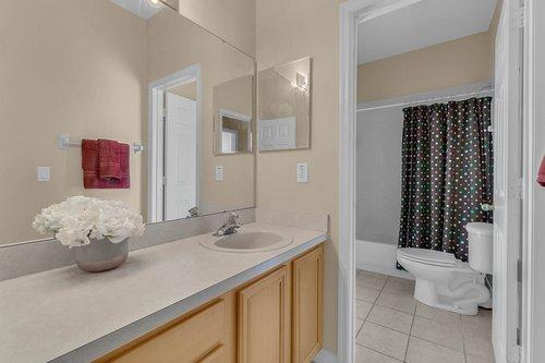 126-Blue-Stone-Cir--Winter-Garden--FL-34787----31---Bathroom.jpg