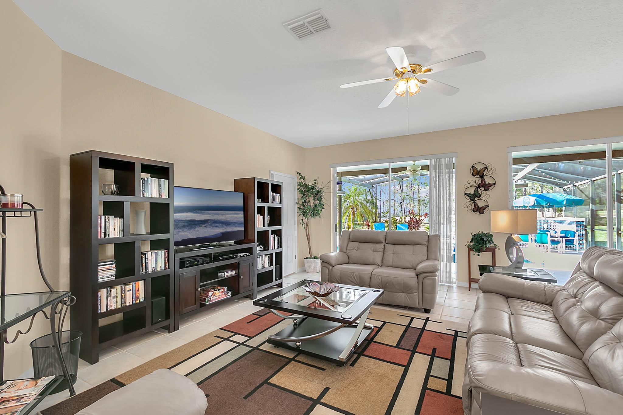229-N-Hampton-Dr--Davenport--FL-33897----15---Family-Room.jpg