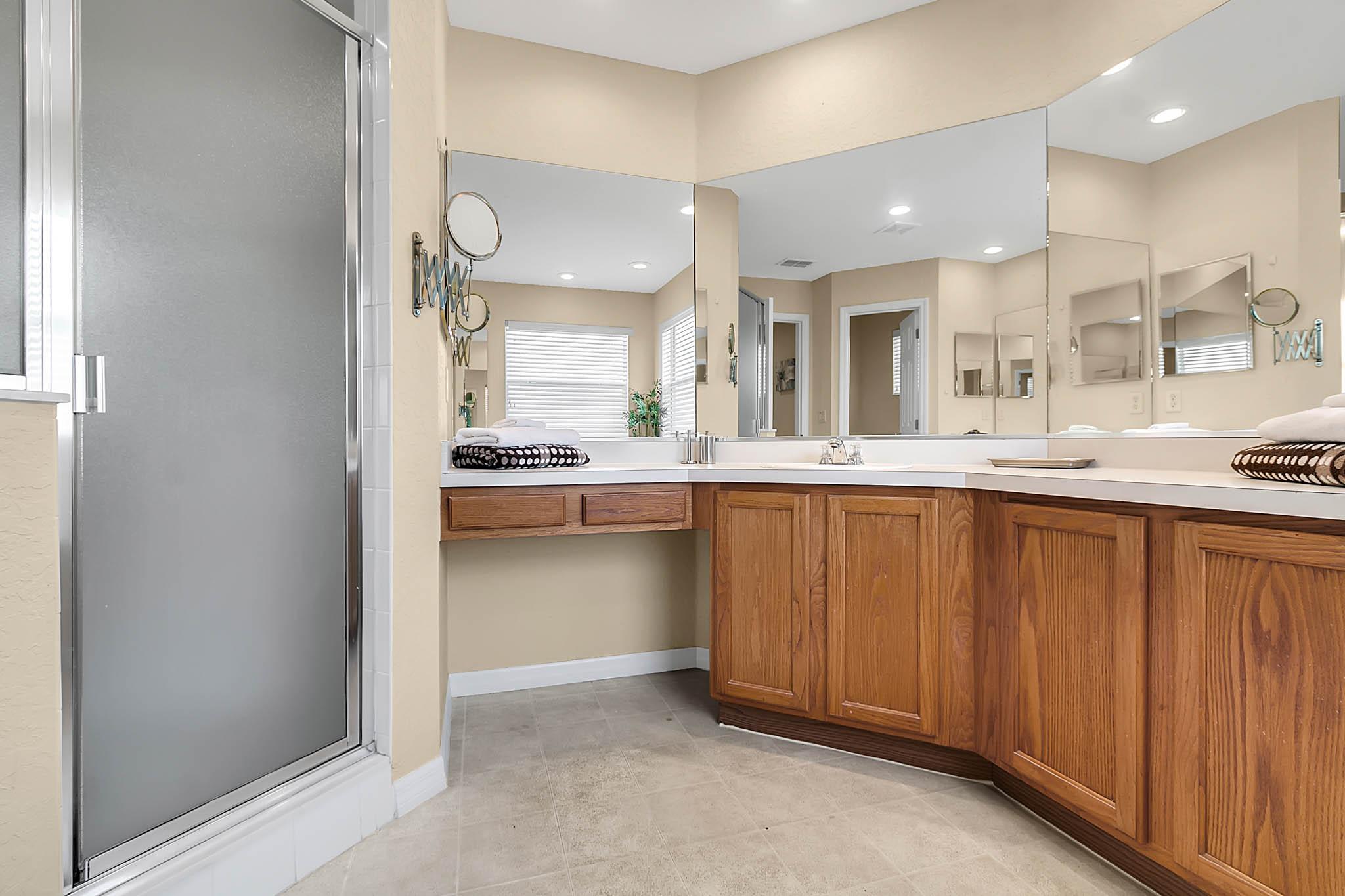229-N-Hampton-Dr--Davenport--FL-33897----21---Master-Bathroom.jpg