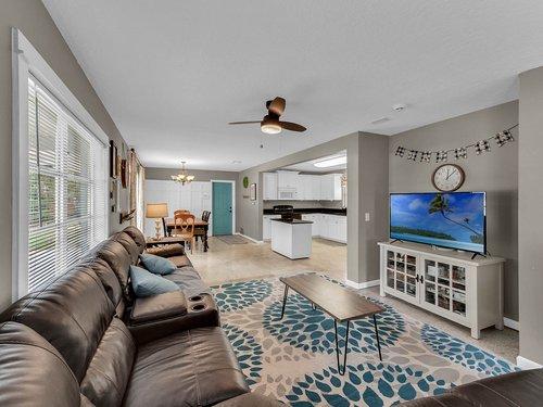 5700-Eggleston-Ave--Orlando--FL-32810----06---Family-Room.jpg