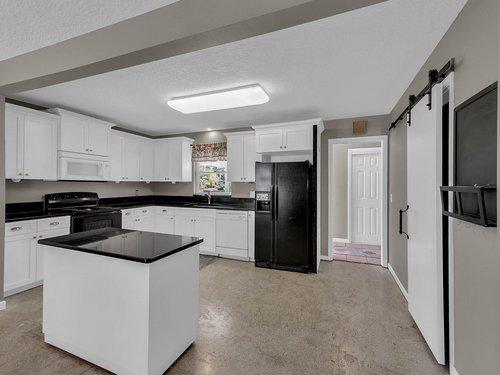 5700-Eggleston-Ave--Orlando--FL-32810----11---Kitchen.jpg