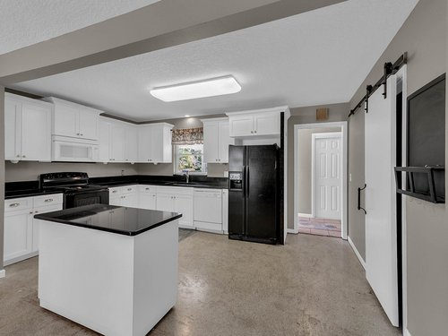 5700-Eggleston-Ave--Orlando--FL-32810----11---Kitchen.jpg