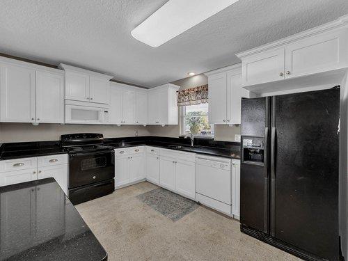 5700-Eggleston-Ave--Orlando--FL-32810----13---Kitchen.jpg