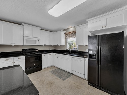 5700-Eggleston-Ave--Orlando--FL-32810----13---Kitchen.jpg