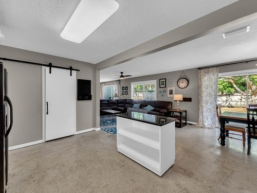 5700-Eggleston-Ave--Orlando--FL-32810----14---Kitchen.jpg