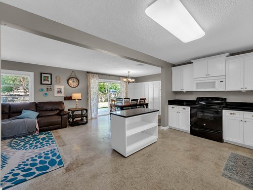 5700-Eggleston-Ave--Orlando--FL-32810----15---Kitchen.jpg