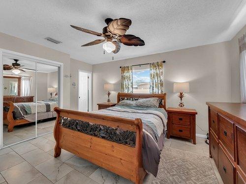 5700-Eggleston-Ave--Orlando--FL-32810----17---Master-Bedroom.jpg