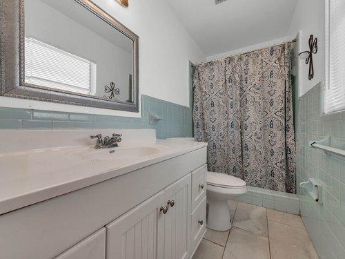 5700-Eggleston-Ave--Orlando--FL-32810----19---Master-Bathroom.jpg