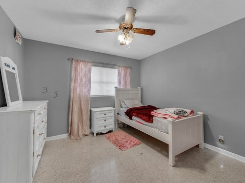 5700-Eggleston-Ave--Orlando--FL-32810----21---Bedroom.jpg
