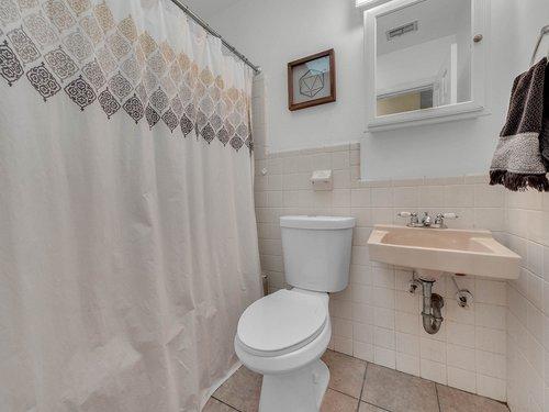 5700-Eggleston-Ave--Orlando--FL-32810----22---Bathroom.jpg
