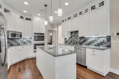36131-Clear-Lake-Dr--Eustis--FL-32736---09---Kitchen.jpg