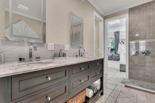 36131-Clear-Lake-Dr--Eustis--FL-32736---16---Master-Bathroom.jpg