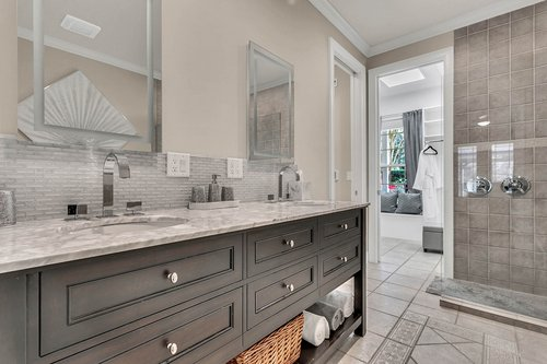 36131-Clear-Lake-Dr--Eustis--FL-32736---16---Master-Bathroom.jpg