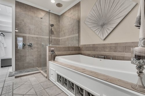 36131-Clear-Lake-Dr--Eustis--FL-32736---17---Master-Bathroom.jpg