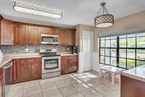 15002-Redcliff-Dr.-Tampa--FL-33625--10--Kitchen-1---1.jpg