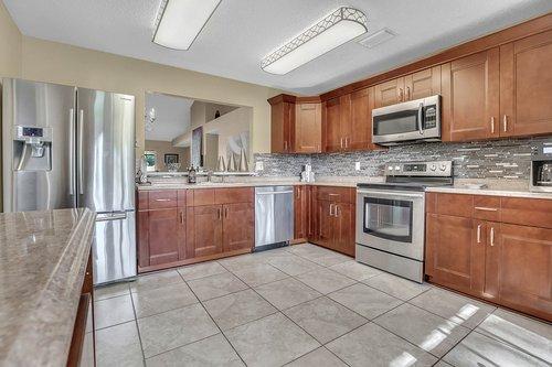 15002-Redcliff-Dr.-Tampa--FL-33625--11--Kitchen-1---2.jpg