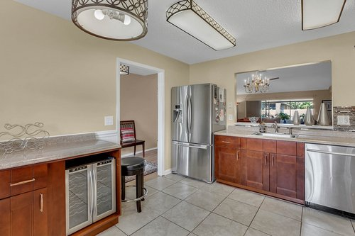 15002-Redcliff-Dr.-Tampa--FL-33625--13--Kitchen-1----4.jpg