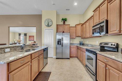 2856-Maracas-St--Clermont--FL-34711----08---Kitchen.jpg