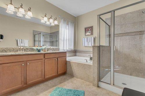 2856-Maracas-St--Clermont--FL-34711----17---Master-Bathroom.jpg
