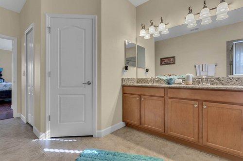 2856-Maracas-St--Clermont--FL-34711----18---Master-Bathroom.jpg