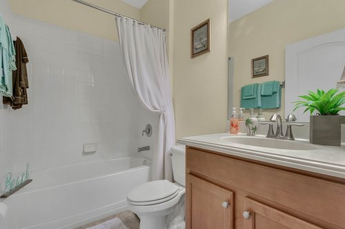 2856-Maracas-St--Clermont--FL-34711----24---Bathroom.jpg