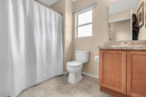 2956-Breezy-Meadow-Rd--Apopka--FL-32712----20---Bathroom.jpg