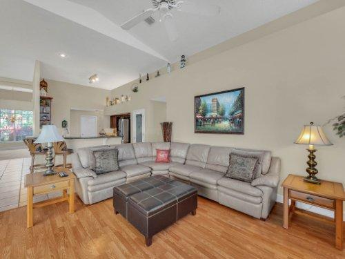 1151-Arbor-Glen-Cir--Winter-Springs--FL----12---Family-Room.jpg