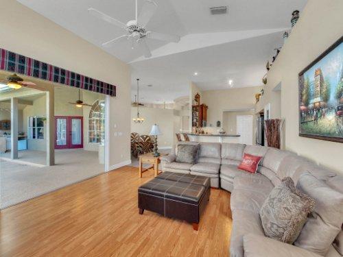 1151-Arbor-Glen-Cir--Winter-Springs--FL----14---Family-Room.jpg