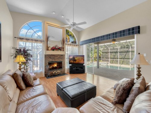 1151-Arbor-Glen-Cir--Winter-Springs--FL----15---Family-Room.jpg