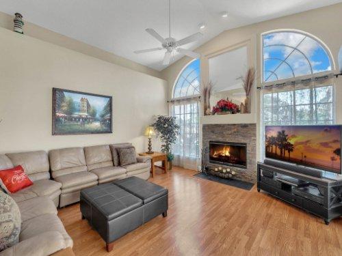 1151-Arbor-Glen-Cir--Winter-Springs--FL----17---Family-Room.jpg