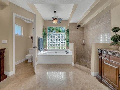 1151-Arbor-Glen-Cir--Winter-Springs--FL----35---Master-Bathroom.jpg