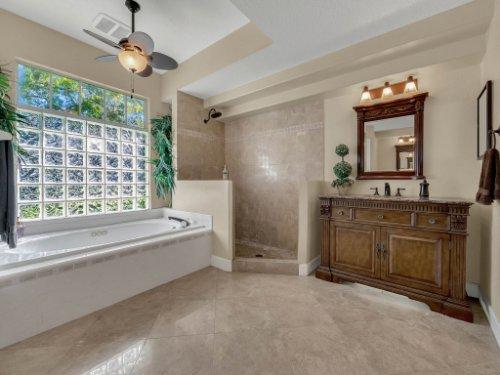 1151-Arbor-Glen-Cir--Winter-Springs--FL----37---Master-Bathroom.jpg