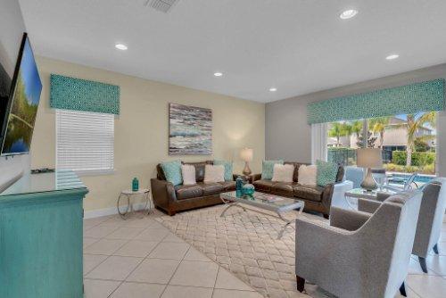230-Minton-Loop--Kissimmee--FL-34747----08---Family-Room.jpg