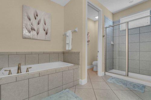 230-Minton-Loop--Kissimmee--FL-34747----16---Master-Bathroom.jpg